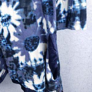 LOGO by Lori Goldstein Tops - LOGO Lori Goldstein Floral Top Size 3XL